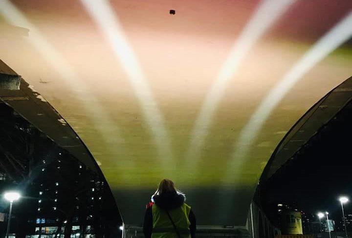 Beersnielsen lichtproef onder de Hofbogen in Rotterdam